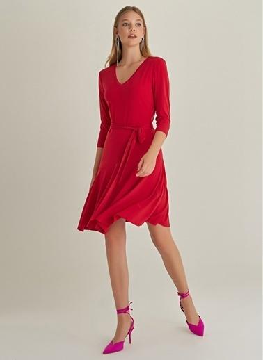 NGSTYLE V Yaka Volanlı Elbise Kırmızı